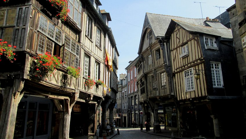 Removals to Dinan, Brittany in France